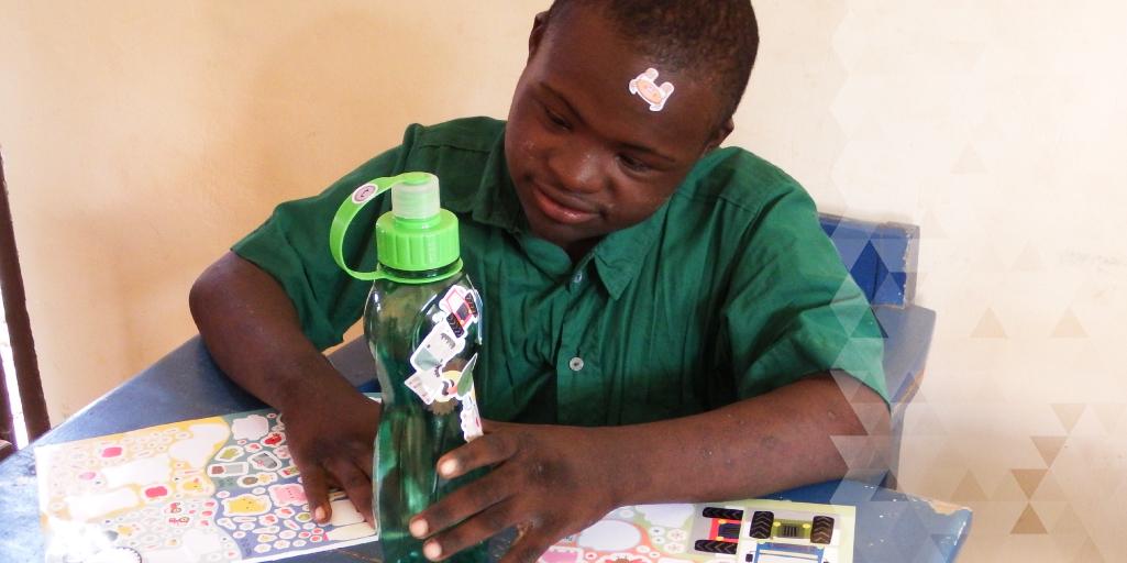 decorating water bottles in Moshi
